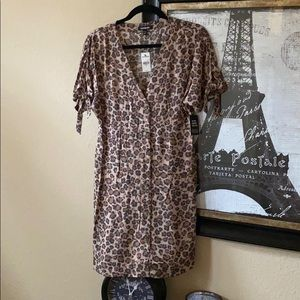 🆕 Super cute sold out Cheetah dress from Express